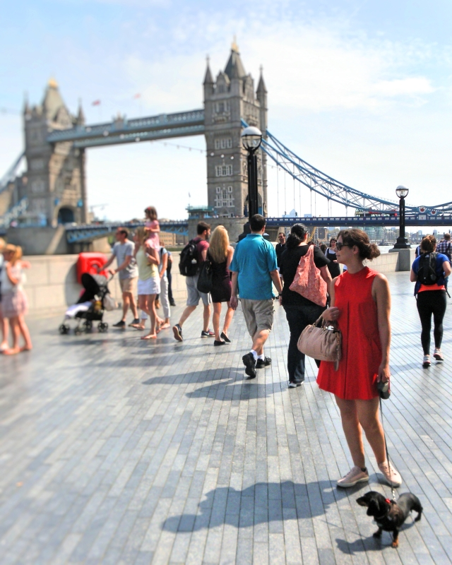 Red Shoe Walk, tower bridge